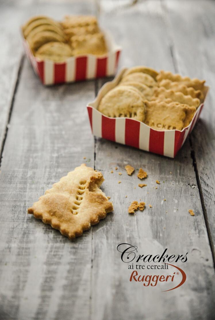 Crackers ai tre cereali