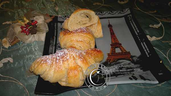 Croissant integrale con lievito madre