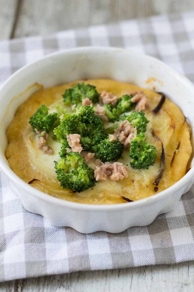 Pizza senza glutine con tonno e broccolo