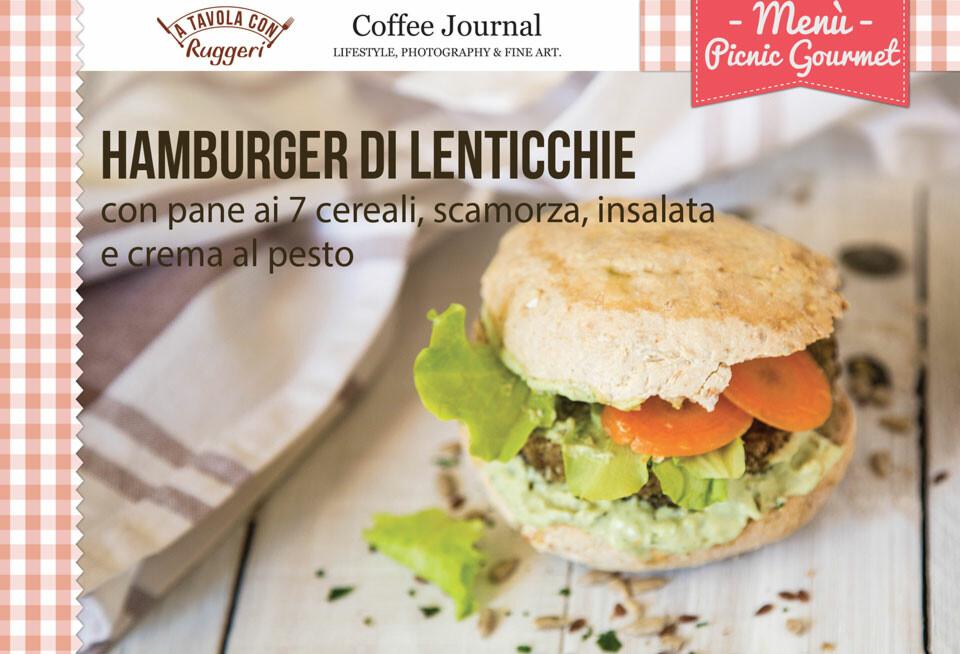 Hamburger di lenticchie con pane ai 7 cereali, scamorza, insalata e crema al pesto