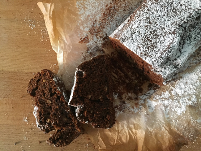 Plumcake alla farina di grano tenero integrale e zucchero di foresta