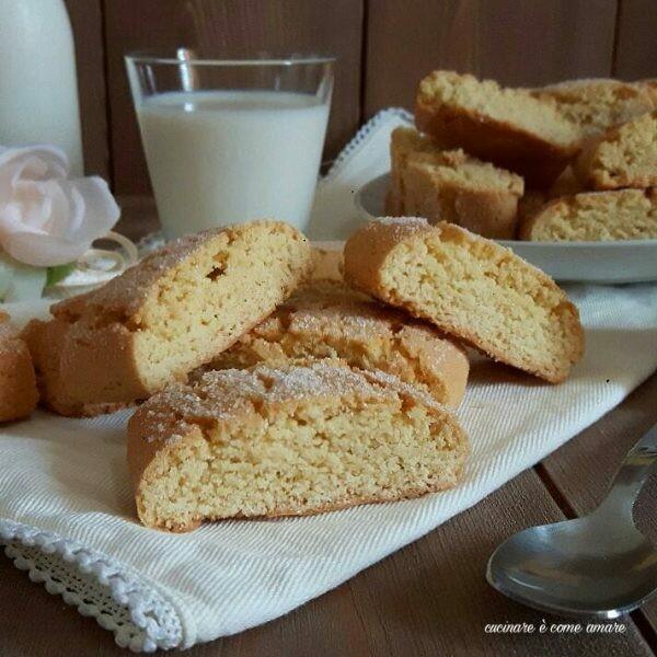 Biscotti tozzetti da inzuppo ricetta facile