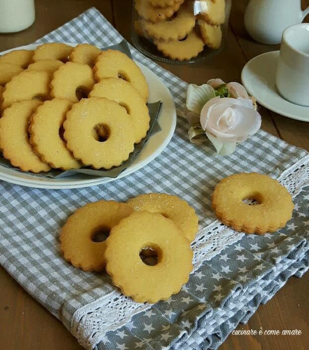 Biscotti con farina di mais fumetto friabili e buonissimi