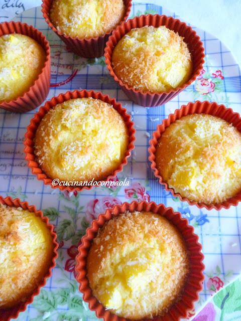 Muffin con Pesche Noci e Cocco
