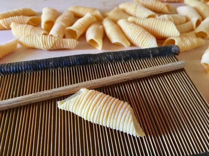 Garganelli di Imola preparati con Farina di Legumi
