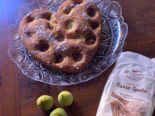 Torta morbida ai fichi | Farina di Farro Spelta
